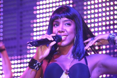 Kelly Rowland из группы  Destiny s Child на вечеринке prcommission